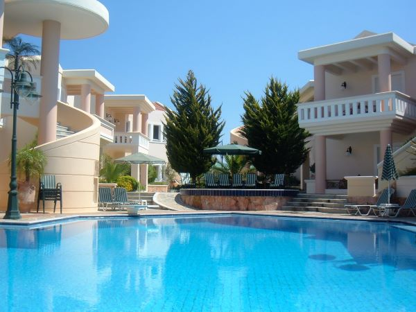 Sissy resort Akrotiri Chania